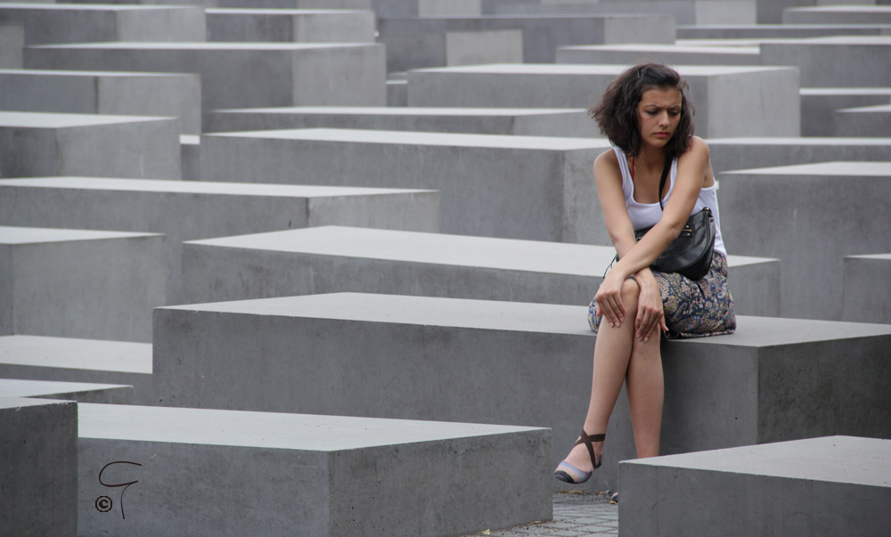 Photo by Giannis: a girl in the Holocaust Memorial, Berlin.